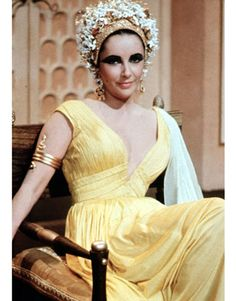Elizabeth Taylor. Stunning in yellow.