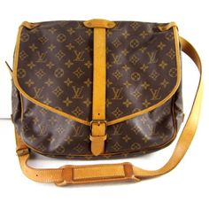 Our next discontinued bag foundings. Oh yes we are on our way of capturing them all: LV monogram canvas messenger bag.        http://www.bragmybag.com/discontinued-bag-4-louis-vuitton-monogram-canvas-saumur-messenger-bag/