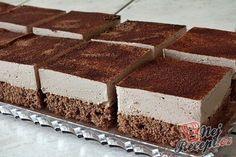 Skvělá chuť čokolády a smetany v jednom. Další rychlá sladká dobrota, kterou jsem měla připravenou za pár minut. Obyčejné těsto z jednoho vajíčka a krém ze smetany a čokolády. Použila jsem hořkou i mléčnou čokoládu, ale vy klidně můžete zvolit pouze jednu, například vysokoprocentní. Vrch jsem posypala kakaem. Autor: Petra Chocolate Cream Cake, Chocolate Flavors, Dessert Chocolate, Russian Pastries, Russian Recipes, Cake Toppings, Unique Recipes, Different Recipes, Tasty Dishes
