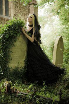 Elegance in Darkness — gothic-culture: Maria Amanda~