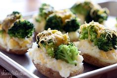 Broccoli and Cheese Twice Baked Potatoes - YUM! These twice-baked potatoes are so cheesy, and guilt-free that you'll never have to think twice about making them! Vegetarian Recipes, Cooking Recipes, Healthy Recipes, Skillet Recipes, Cooking Gadgets, Yummy Recipes, Cooking Tips, Recipies, Twice Baked Potatoes