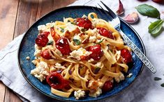 The soft and creamy Apetina White Cheese adds a badass twist to this everyday dish. Baked Apetina pasta is a delicious family favourite - ready in no time! Fall Recipes, New Recipes, Baking Recipes, Healthy Recipes, Everyday Dishes, Tomato And Cheese, How To Cook Pasta, Cherry Tomatoes, Pasta Salad