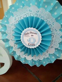 Baptism Party, Baby Baptism, Baby Shower Cake Pops, Baby Boy Shower, Birthday Balloon Decorations, Baby Shower Decorations, Paper Medallions, Baby Table, Paper Rosettes