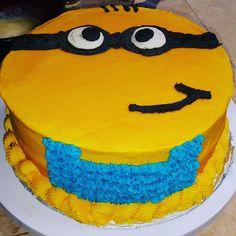 Minion Cake   Mad Batter Bakery