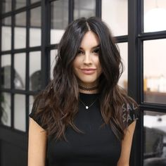 The ombre hair trend has been seducing for some seasons now. More discreet than tie and dye, less classic than sweeping, this new technique of hair. Balayage Hair, Ombre Hair, Long Textured Hair, Medium Thick Hair, Pelo Midi, Corte Y Color, Layered Hair, Brunette Hair, Pixie Cut