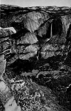 Pictorial about Yosemite National Park by Ansel Adams, Black And White Landscape, Black N White Images, White Art, Ansel Adams Photography, Nature Photography, Sierra Nevada, Famous Photographers, Landscape Photographers, Yosemite National Park