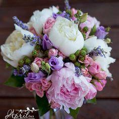 #aprilface #wedding #weddingdecor #weddingboquet#lavender#peony#свадьба #свадебноеоформление #букетневесты #Padgram
