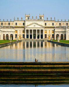 Villa Pisani, in Stra, with its extensive gardens and a grand ballroom frescoed by the Tiepolos is absolutely beautiful --- Villa Pisani, a Stra, con i suoi giardini e la grande sala da ballo affrescata dal Tiepolo è assolutamente meravigliosa