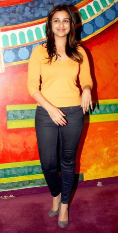 Parineeti chopra in tight pants on Stylevore Bollywood Girls, Bollywood Stars, Bollywood Actress, Tamil Actress, Hollywood Actress Photos, Hollywood Heroines, Indian Celebrities, Bollywood Celebrities, Female Celebrities