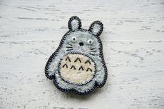 Купить Брошь Тоторо Вышитая Брошь Вышивка Totoro в интернет магазине на Ярмарке Мастеров