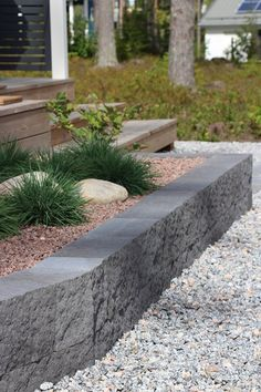 Patio Deck Designs, Garden Structures, Beautiful Gardens, Container Gardening, Outdoor Gardens, Outdoor Living, Grass, Planters, Sidewalk