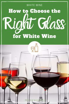 Learn the basics of white wine and the most popular types of white wine to choose the right bottle and pick something new to try New Year's Drinks, Wine Cocktails, Drink Wine, Cocktail Recipes, Alcoholic Drinks, Types Of White Wine, Sweet White Wine, Cooking With White Wine, White Wine Glasses