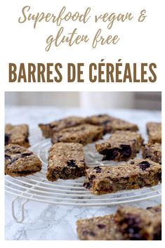 Des barres de céréales riches en superfood parfaites pour le petit-déjeuner ou le goûter. Vegan - gluten free - superfood Laura Lee, Sans Gluten, Gluten Free, Superfood, Cereal, Snacks, Vegan, Breakfast, Desserts