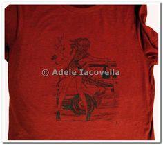 Milo Manara drawing handpainted on t-shirt Deka Colours&cotton