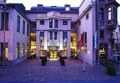 In de zomer van 2013 heb ik stage gelopen bij het NH Gent Belfort. Ik heb hierbij stage gelopen in de afdeling Food & Beverage en Banqueting.