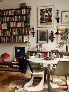 Small Vintage Bohemian Apartment in Stockholm - Interior Design & Architecture - Retro Home Decor, Cheap Home Decor, Vintage Apartment Decor, Home Decoration, Bohemian Apartment Decor, Retro Apartment, Cosy Apartment, Brooklyn Apartment, Home Living