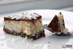 Den her low carb bountykage er fantastisk! I hvert fald hvis man er bounty/kokos-fan. Så har jeg ikke sagt for meget :) Der skal lyde credit til Maj Pedersen, som kom på ideen, som så blev ført ud i l