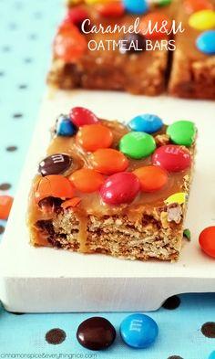 Caramel M&M Oatmeal Bars | {cinnamonspiceandeverythingnice.com}
