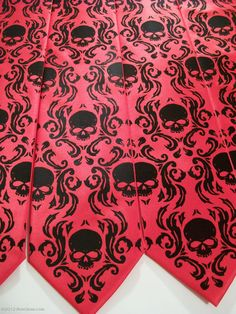 Hey, I found this really awesome Etsy listing at http://www.etsy.com/listing/121723200/men-wedding-tie-skull-neckties-groom