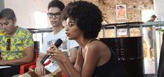 Joicy Eleiny e a experiência do blog Tipo 4 sobre beleza e cabelos negros.