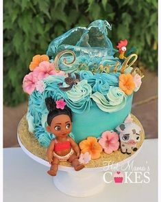 This is not my design, I'm not sure who the cake artist is but thank you for the inspiration! Moana Party, Moana Birthday Party Theme, Moana Themed Party, Moana Birthday Cakes, Moana Theme Cake, Hawaiian Birthday, Luau Birthday, Birthday Cake Girls, First Birthday Parties