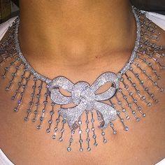 DAVANI bow diamond necklace!!!
