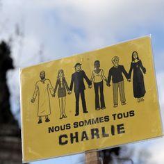 Un cartello su una vetrina di #Parigi