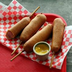 Amerikai finomság: Corn Dog / JOY.hu #corndog #recipe #joymagazin #food