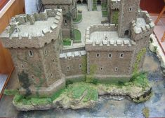 castle Terrain 40k, Wargaming Terrain, Model Castle, Toy Castle, Harry Potter Castle, Hirst Arts, Dungeons And Dragons Game, Fantasy Castle, Military Modelling