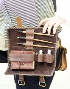 objetos medievales de escritura para viaje