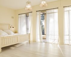 """I LOVE this room. It is morning, freshness and sunshine. No waking up on the """"wrong"""" side of the bed in this room"""