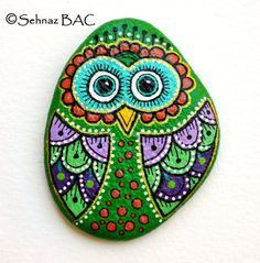 Hand Painted Stone Owl by ISassiDellAdriatico on Etsy, Painted Rocks Owls, Painted Rock Cactus, Painted Flower Pots, Painted Pebbles, Painted Stones, Pebble Painting, Pebble Art, Stone Painting, Rock Painting