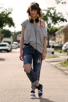 jeans strappati e converse