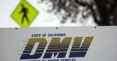 ¿Qué necesito llevar al DMV para cambiar mi licencia?. Si necesitas cambiar la información de tu licencia de conducir, tendrás que visitar la oficina local del DMV (Departamento de Vehículos Automotores, por sus siglas en inglés). Aunque no es agradable esperar a que nombren tu número, puedes minimizar la incomodidad estando preparado. Revisa con tu departamento estatal de vehículos automotores para ...