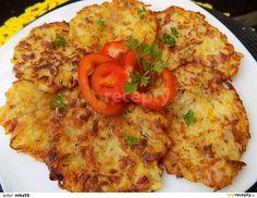 Brambory a mrkev oškrábeme, patizon oloupeme a vykrojíme vnitřek s jadérky. Mrkev nastrouháme na jemno. Brambory a patizon na hrubo, osolíme a... Vegetable Pizza, Quiche, Cauliflower, Food And Drink, Cheese, Vegetables, Breakfast, Morning Coffee, Cauliflowers