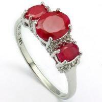 United States : Three Stone Ruby Ring : Rings