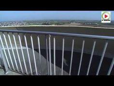 Reportage HD – TV Quiberon 24/7 – 31 Octobre 2014 – Incroyable chateau d'eau panoramique à Ploudalméeau dans le Finistere. Le chateau d'eau de Ploudalmezeau abrite une crêperie installée à 50 mètres du sol et à 116 mètre au dessus du niveau de la mer, qui offre un point de vue à 360° sur le Finistère.