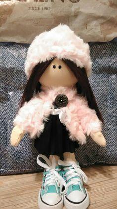 прекрасная куколка нашла себе семью)))