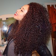 Sheesh, my hair was long in 2013! Makes me want to grow out my mane now. #curlynatural #curlbox #curlyhead
