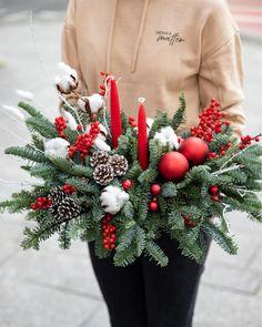 #centerpiece #christmas #decorations #craciun #aranjamentecraciun Christmas Wreaths, Christmas Decorations, Holiday Decor, Centerpieces, Home Decor, Decoration Home, Room Decor, Center Pieces, Home Interior Design