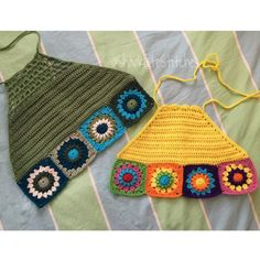 Inspiration: Starburst Rainbow Granny Square Crochet Tops by SharkbiteStitches Crochet Crop Top, Crochet Blouse, Crochet Bikini, Crochet Tops, Crochet Granny, Crochet Baby, Knit Crochet, Crochet Rabbit, Crochet Woman