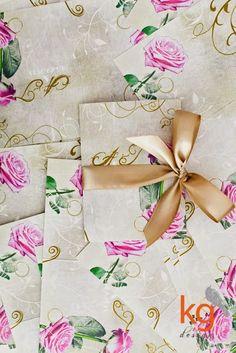 Zaproszenia ślubne z motywem róży, vintage, złote, pudrowy róż,
