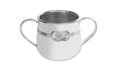 Welcome your child to the family with Vera Wang's elegant, radiant, silver-plated Baby Cup. Decorated with the Vera Infinity Pattern, celebrating enduring love and unity with the infinity symbol. A perfect gift for a birth or christening. Baby Invitations, Luxe Life, Christening Gifts, Buy Buy Baby, Wedgwood, Vera Wang, New Product, Gifts For Kids, Silver Plate
