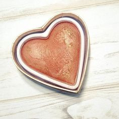 ¿Qué os parece? Precioso, ¿verdad?// What do you think? Amazing, isn't it?  #amazing #perfect #inlove #iheartmakeup #makeuplove #makeup #makeupproducts #bblogger #beauty #beautybloggers #beautybloggerspain #bblogger #bloggerspain #bloggerlife #fblogger #heart #perfectpic #instamoment #instagramers #instadaily #dailypic #tagsforfollow #tagsforlikes #l4l #f4f