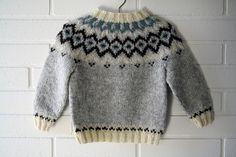 ideas for crochet baby cardigan boy fair isles Crochet Scarf Easy, Fingerless Gloves Crochet Pattern, Crochet Baby Cardigan, Crochet Baby Boots, Knit Baby Sweaters, Kids Knitting Patterns, Knitting For Kids, Baby Knitting, Ropa Free People