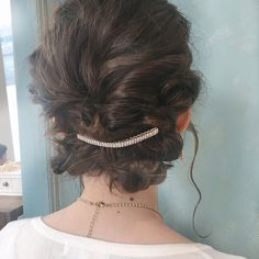 なんといってもまとめ髪しやすいのがセミロング以上の長さのある人の特権♪素敵なヘアアクセサリーを準備しておけば一気に華やかさもアップします!