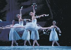 """Behold the beauty of """"The Nutcracker's"""" snow scene, a result of craft, technique and talent 