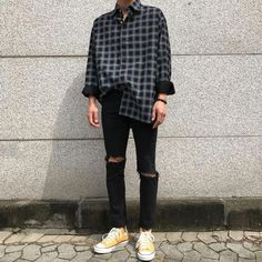 Pin by nightmare on korean men style outfits in 2019 korean fashion men, fa Mode Outfits, Grunge Outfits, Fashion Outfits, Fashion Tips, Fashion Trends, Korean Fashion Men, Fashion Mode, Korean Men, Street Fashion