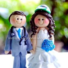upload by claylandshop, via Flickr Polymer Clay Cake, Wedding Souvenir, Cake Toppers, Reception, Christmas Ornaments, Create, Holiday Decor, Christmas Jewelry, Receptions