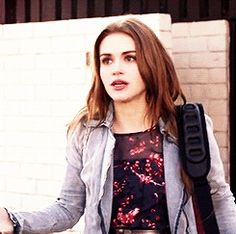 GIF HUNTERRESS — HOLLAND RODEN GIF HUNT (115) Please like/reblog...